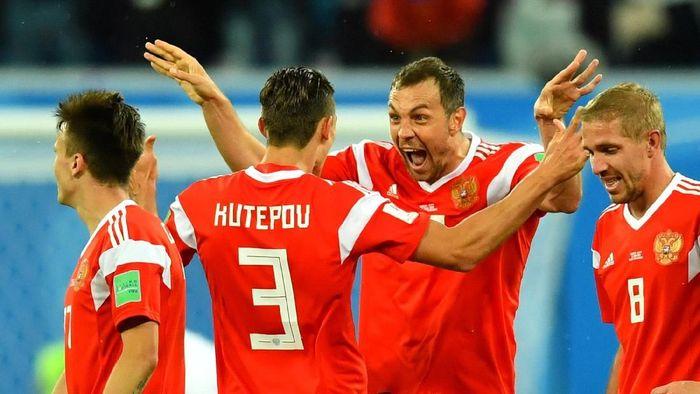 Pemain Rusia merayakan kemenangan 3-0 atas Mesir di laga kedua Grup A Piala Dunia 2018. (Foto: Dylan Martinez/Reuters)
