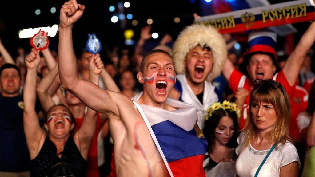 Rusia Rayakan Kemenangan