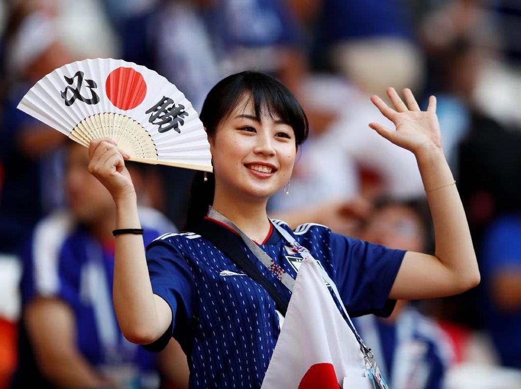 Suporter Sepakbolanya Suka Bersih-bersih, Ini Kata Orang Jepang Asli