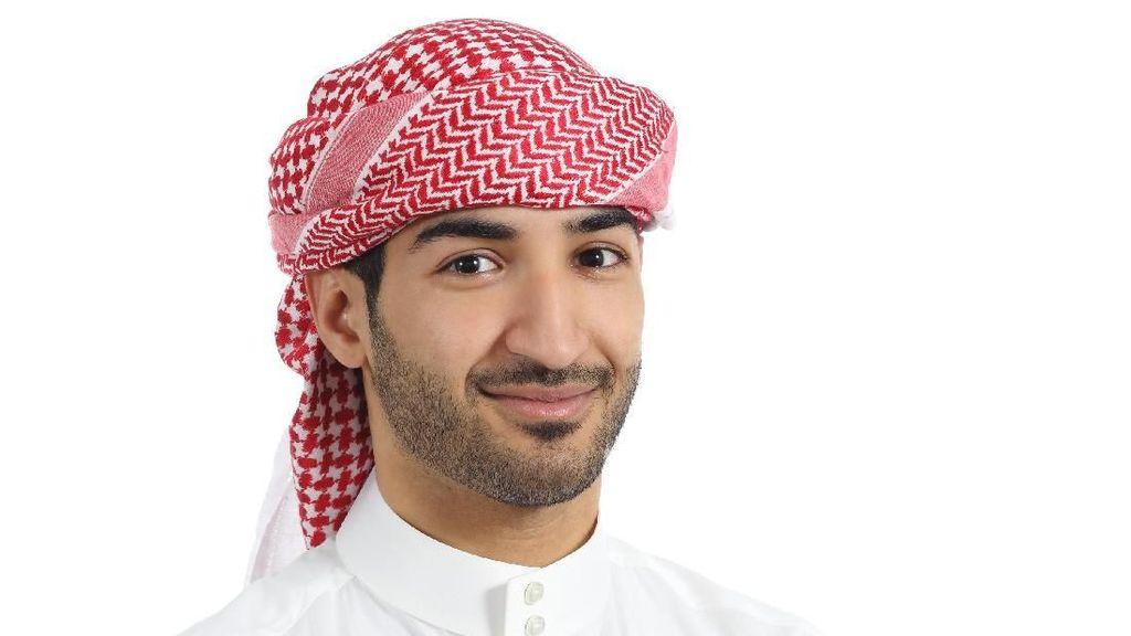 Viral, Pengantin Arab Ini Gelar Nobar Piala Dunia di Pernikahannya