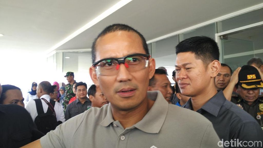 Sandiaga Bela The Jakmania