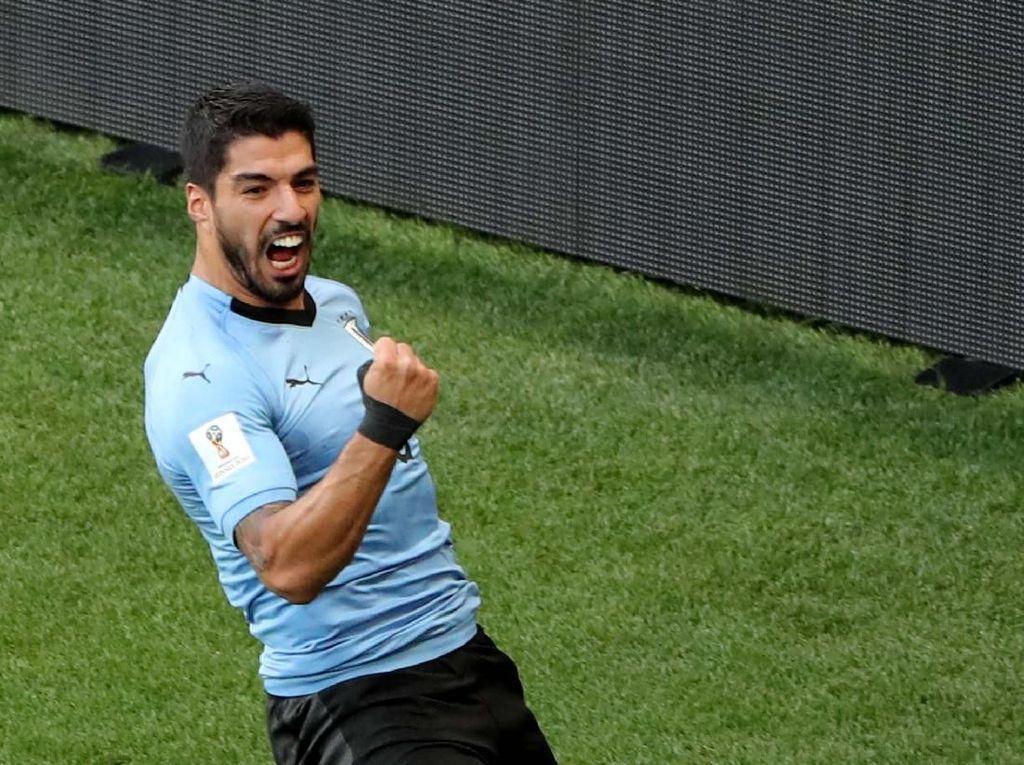 Foto: Suarez Bawa Uruguay ke Babak 16 Besar Piala Dunia 2018