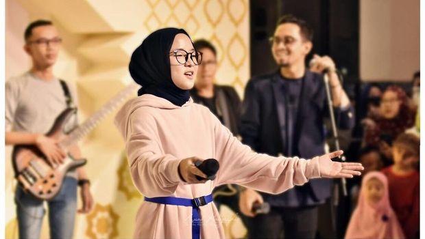 10 YouTuber Terpopuler Indonesia dengan Penghasilan Miliaran