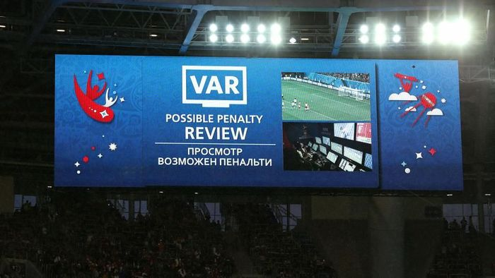 Video Asisten Referee (VAR). (Foto: Richard Heathcote/Getty Images)