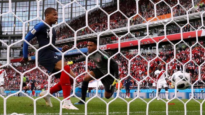 Kylian Mbappe memenangkan Prancis 1-0 atas Peru di laga kedua Grup C Piala Dunia 2018. (Foto: Reuters)