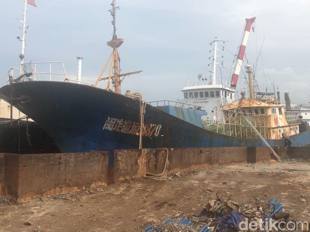Polisi Serahkan Tersangka, Kapal dan 1,6 Ton Sabu ke Kejari Batam
