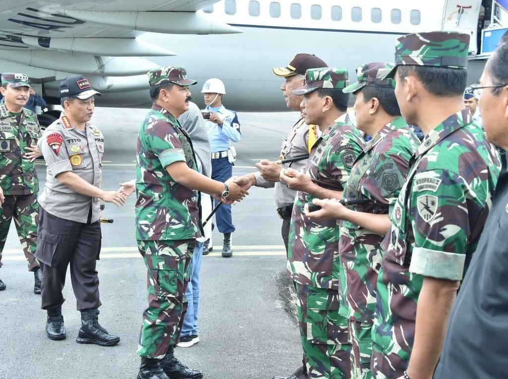 Foto: Tragedi Danau Toba, Panglima TNI-Kapolri Cek Kelaikan Kapal