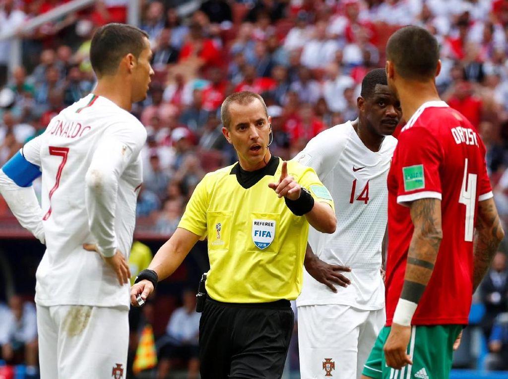 Wasit Piala Dunia 2018 Ini Dituduh Minta Kaus Ronaldo
