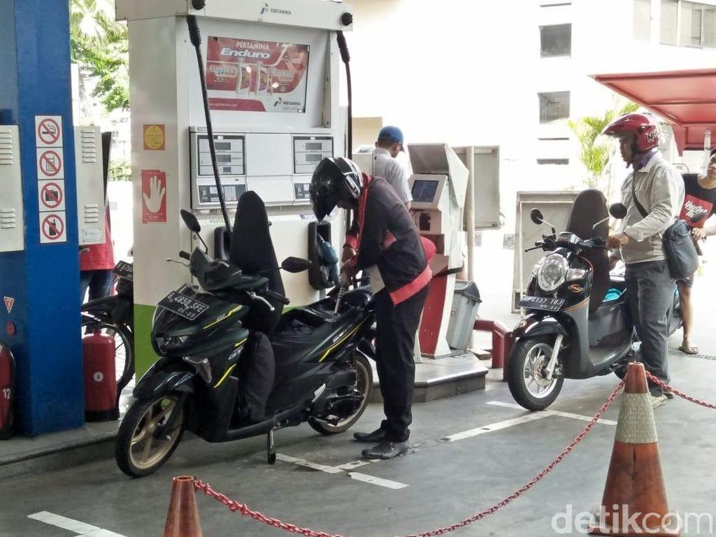 Pengumuman! Jam 6 Sore Ini Harga BBM Premium Naik Jadi Rp 7.000/Liter