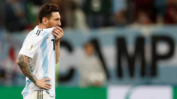 Lionel Messi muram setelah Argentina dikalahkan Kroasia.
