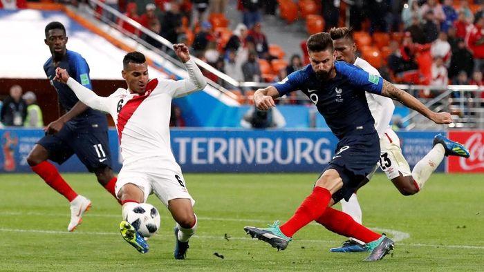 Prancis mengalahkan Peru 1-0 untuk memastikan lolos ke 16 besar Piala Dunia 2018. (Foto: Damir Sagolj/Reuters)