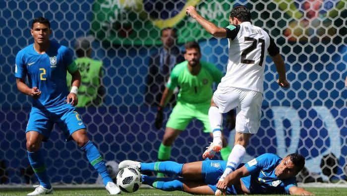 Brasil diimbangi Kosta Rika 0-0 di babak pertama. (Foto: Marcos Brindicci/Reuters)