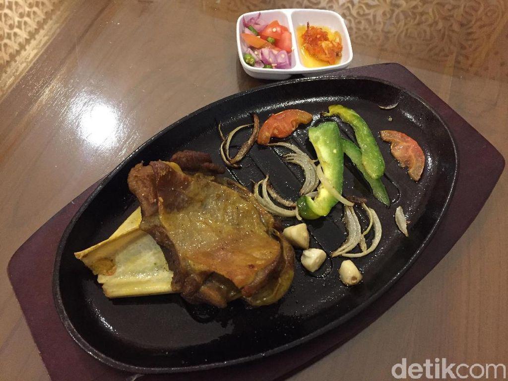 Raya Food: Sedap Mantap Kambing Hot Plate dan Kuftah Kebab Khas Timur Tengah