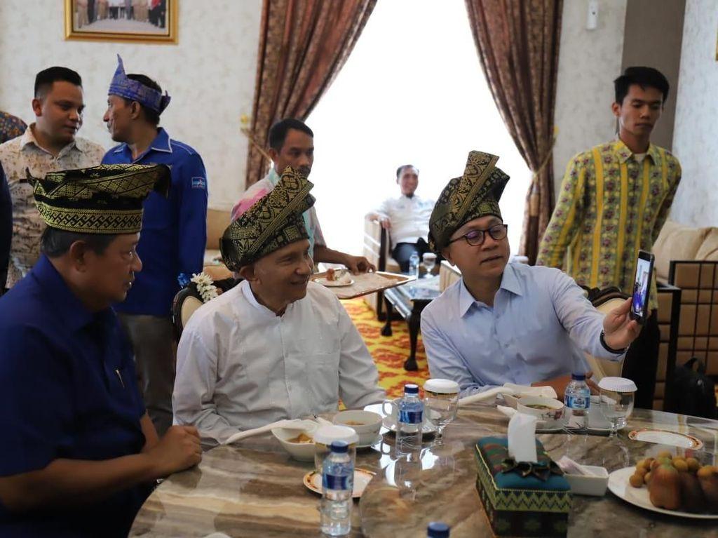 Momen Pertemuan SBY, Amien Rais dan Zulkifli Hasan di Pekanbaru
