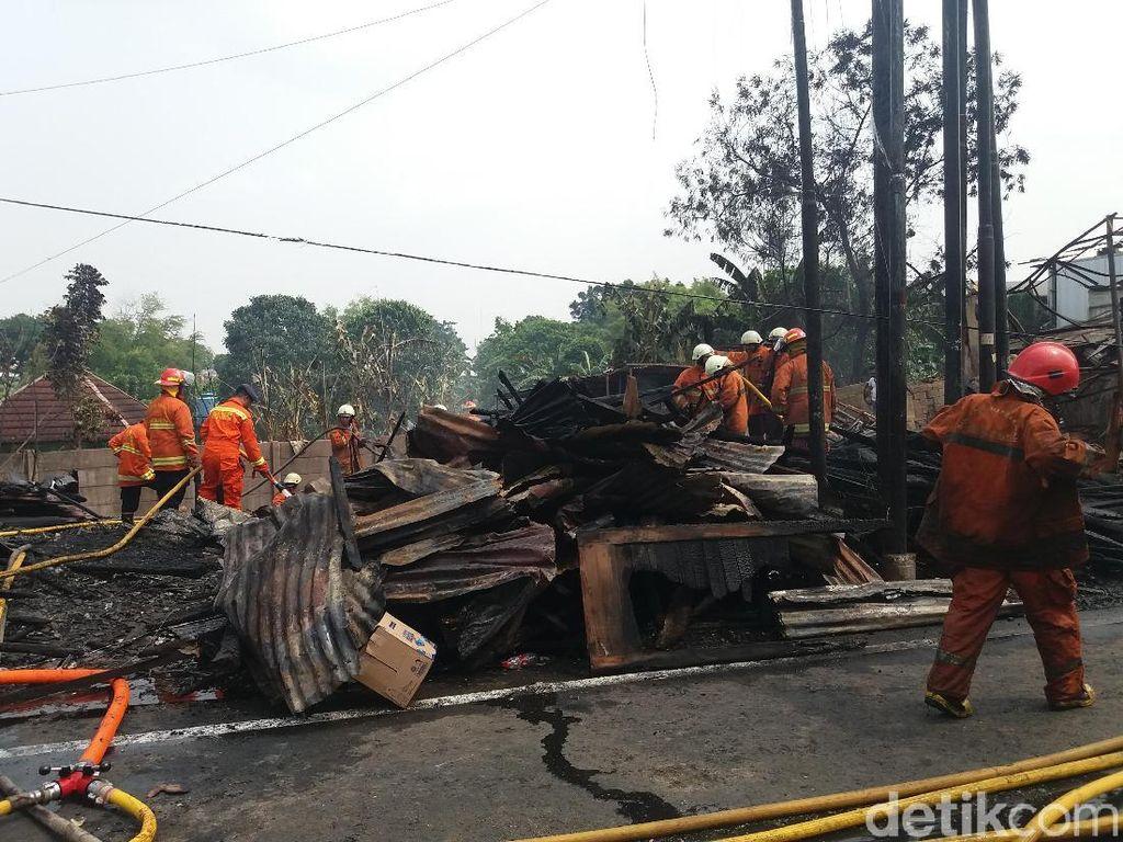 Kebakaran di Kembangan Padam, Jl Swadarma Kembali Dibuka
