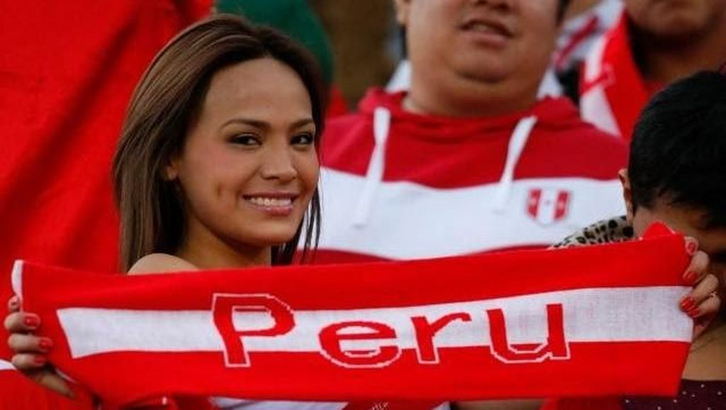 Perayaan Buka Baju Si Seksi Nissu Cauti Masih Tunggu Gol Peru