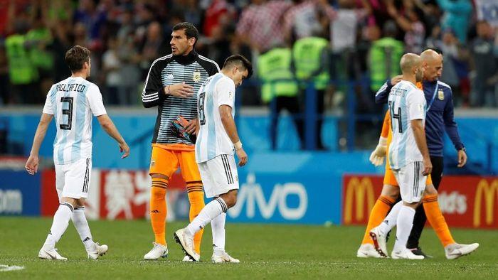 Javier Mascherano meminta Argentina untuk berdoa. (Foto: Carlos Barria/Reuters)