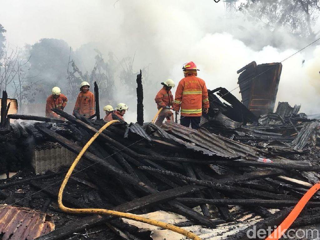Kebakaran di Kembangan, Jl Swadarma Ditutup untuk Pemadaman
