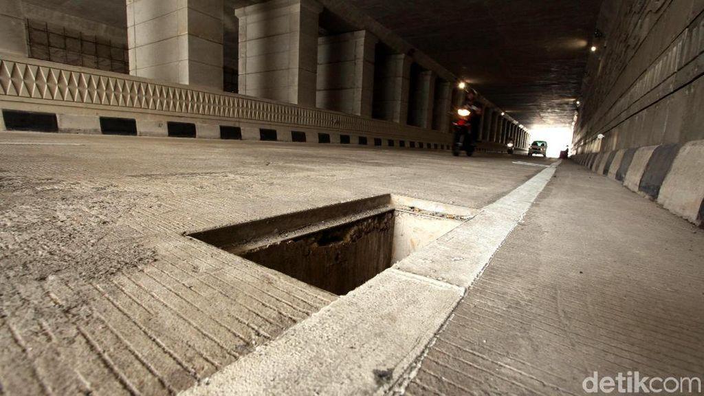 Penutup Lubang Gorong-gorong Underpass Mampang Hilang Lagi