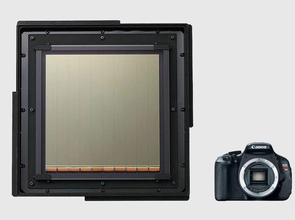 Melihat Sensor CMOS Raksasa Bikinan Canon