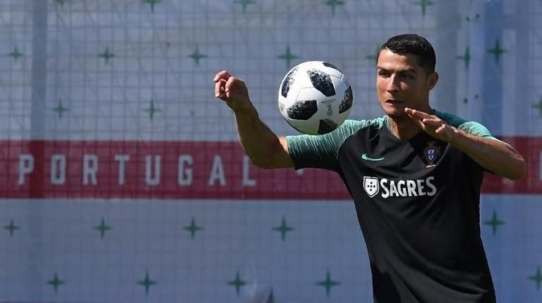 Moggi Yakin Ronaldo Sudah Sepakat Gabung Juventus