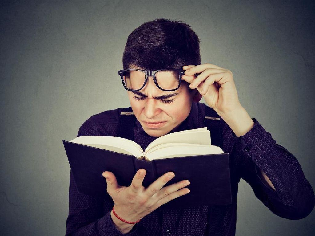 Ingat! 6 Tanda Kamu Harus Pakai Kacamata