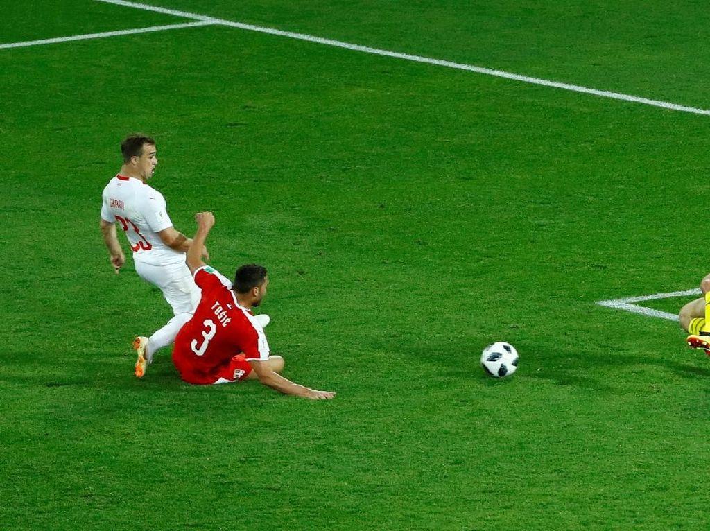 Shaqiri Pamer Tubuh Kekar, Oke Mana Dibanding Balotelli atau Ronaldo?