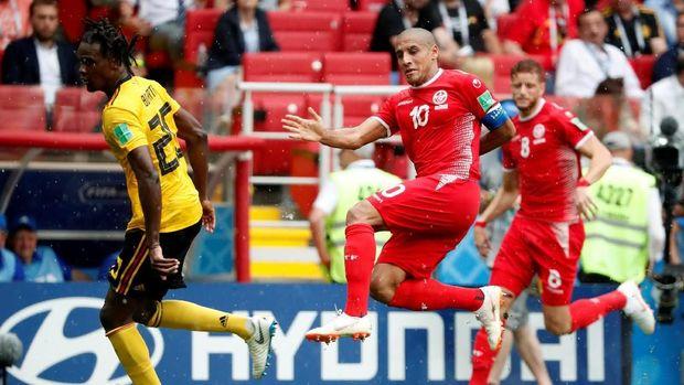 Wahbi Khazri mencetak gol kedua Tunisia di pengujung babak kedua.