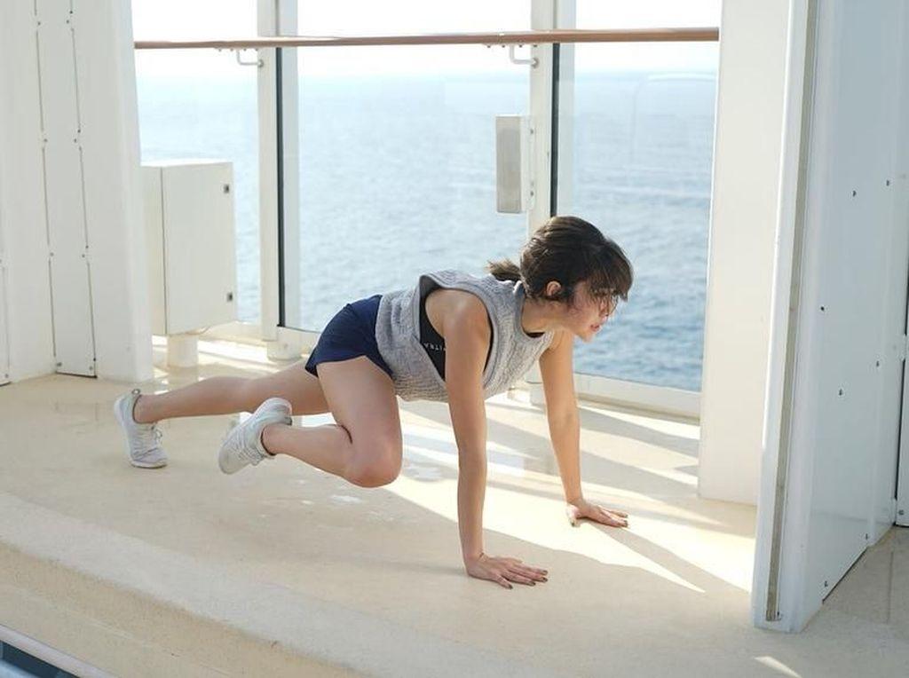 Gisel Pamer Badan Kekar: Si Noni Otot Panggilan Baru Aku