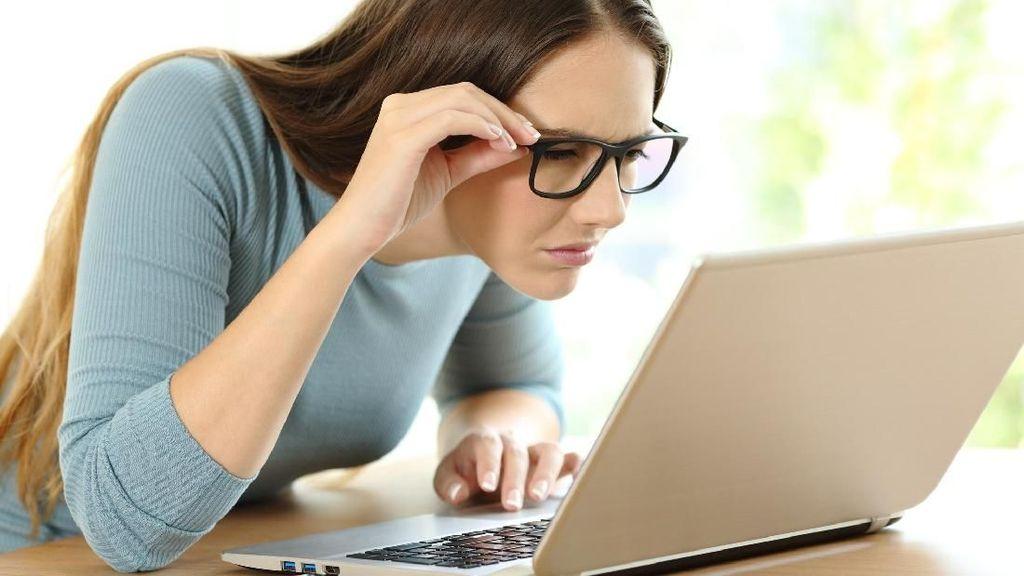 4 Pertanda Sudah Saatnya Kamu Beli Kacamata Baru