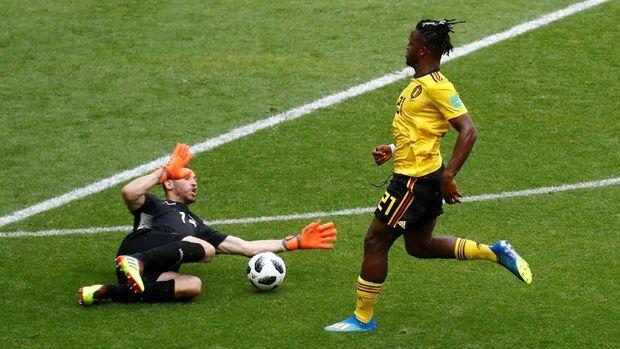 Michy Batshuayi gagal mencetak gol meski mendapat peluang emas.