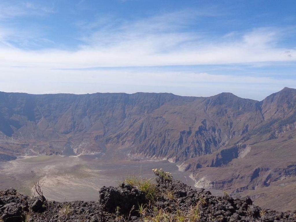 Foto Cantiknya Gunung Tambora dan Destinasi di Sekitarnya