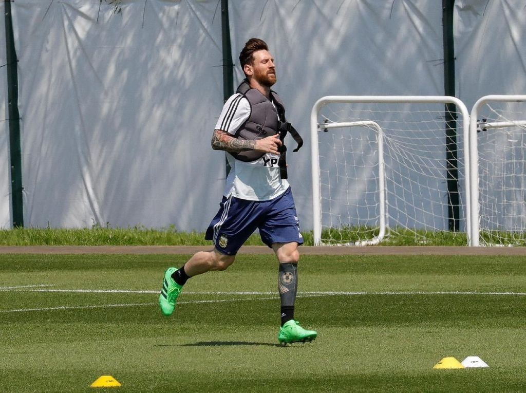 Mascherano: Messi Frustrasi Untuk Selamatkan Argentina