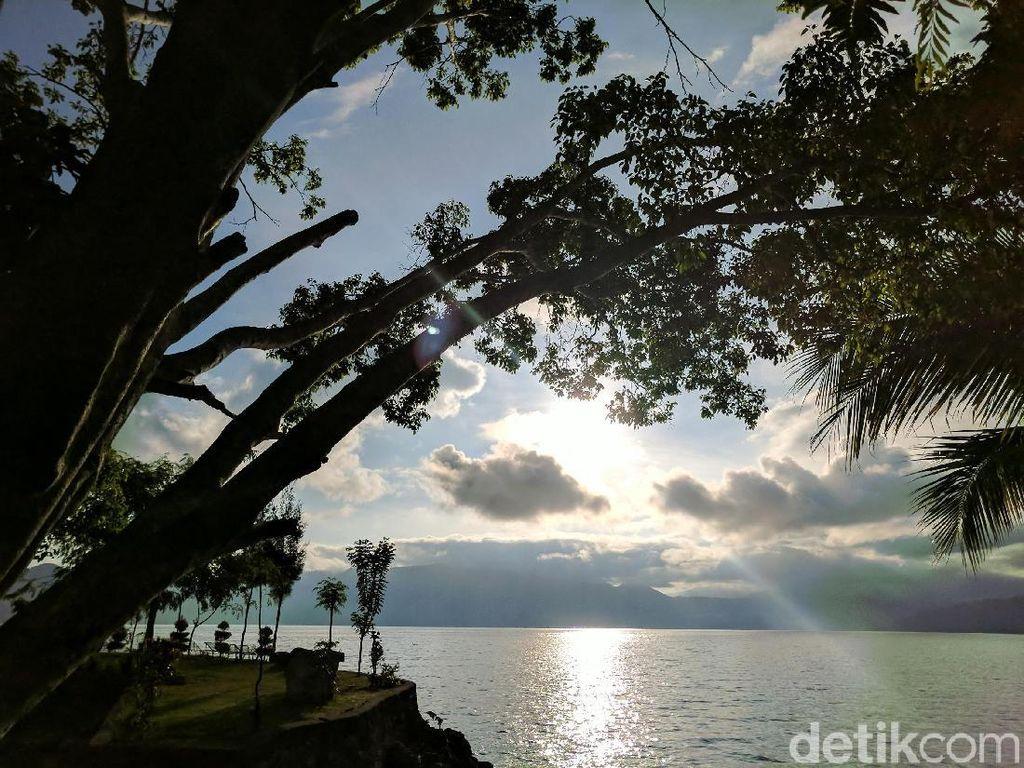 Kabar Bahagia dari Danau Toba