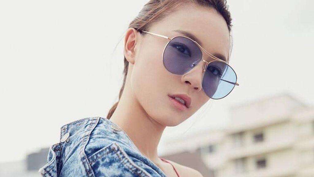 Foto: Julie Tan, Model Cantik Singapura yang Hobi Traveling