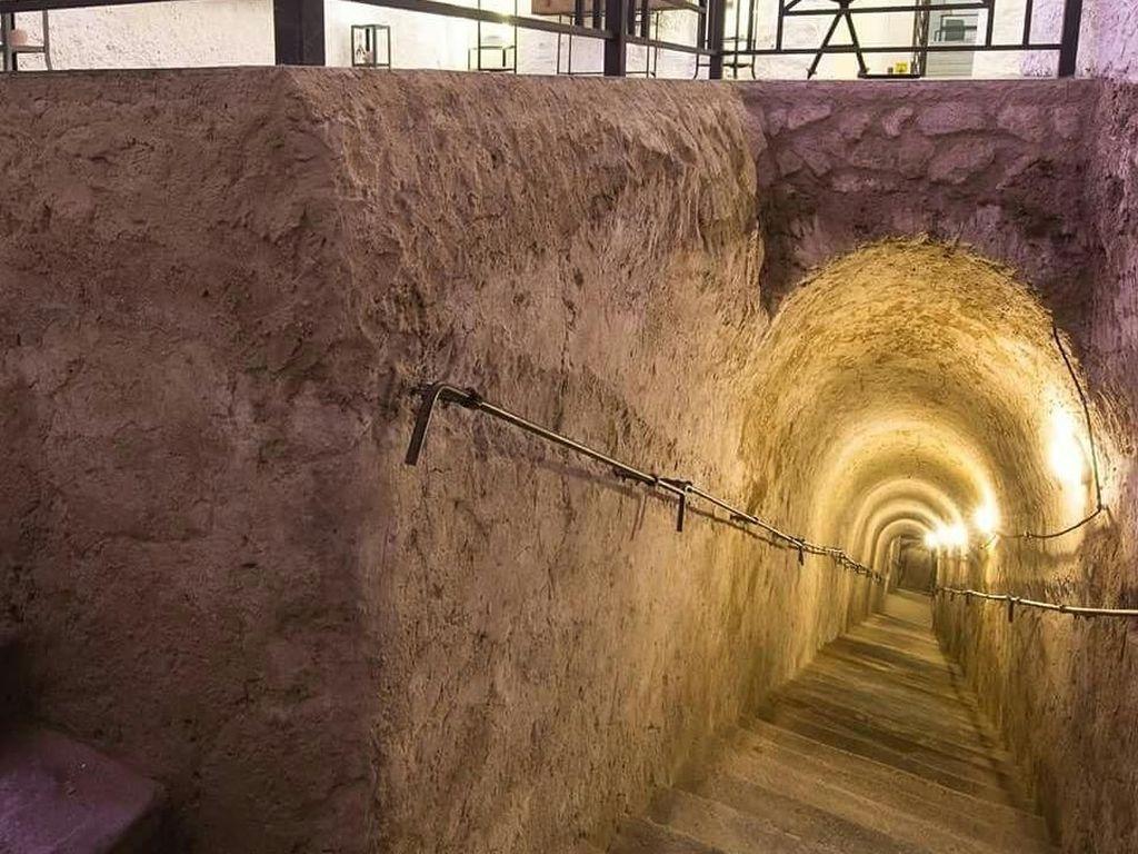 Foto: Terowongan Rahasia Bergaya Vintage di Italia