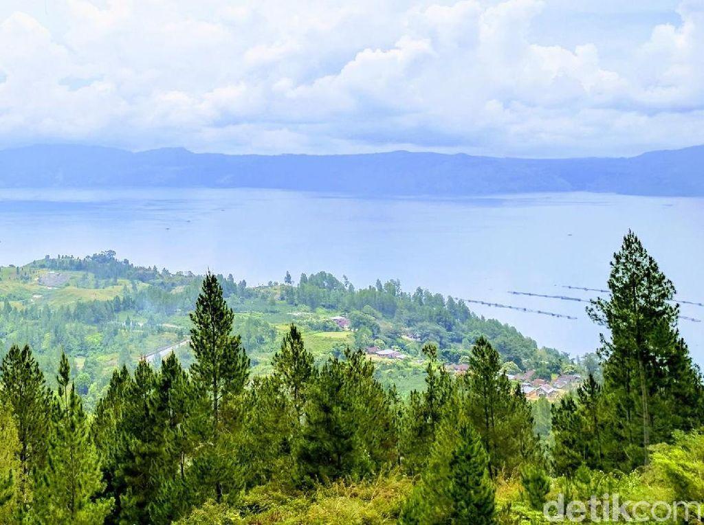 Foto Danau Toba yang Selalu Bikin Kangen