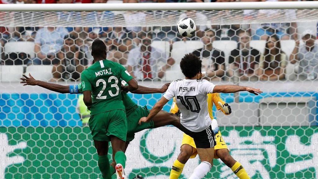 Salah Cetak Gol, Arab Saudi vs Mesir Berimbang 1-1 di Babak Pertama