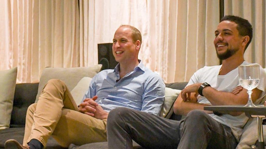 Kompaknya Pangeran William-Putra Mahkota Yordania Nobar Piala Dunia