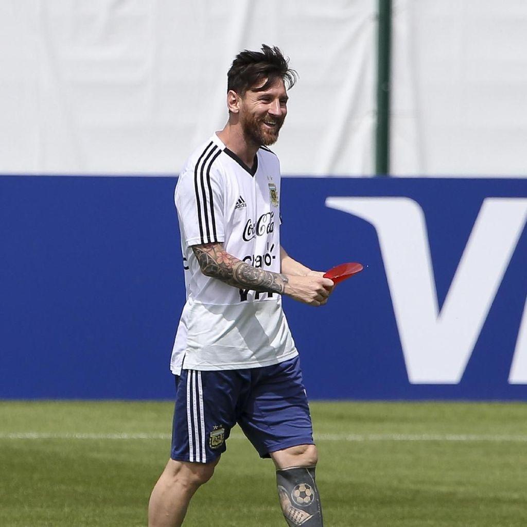 Senyum Cerah Lionel Messi di Hari Ulang Tahunnya