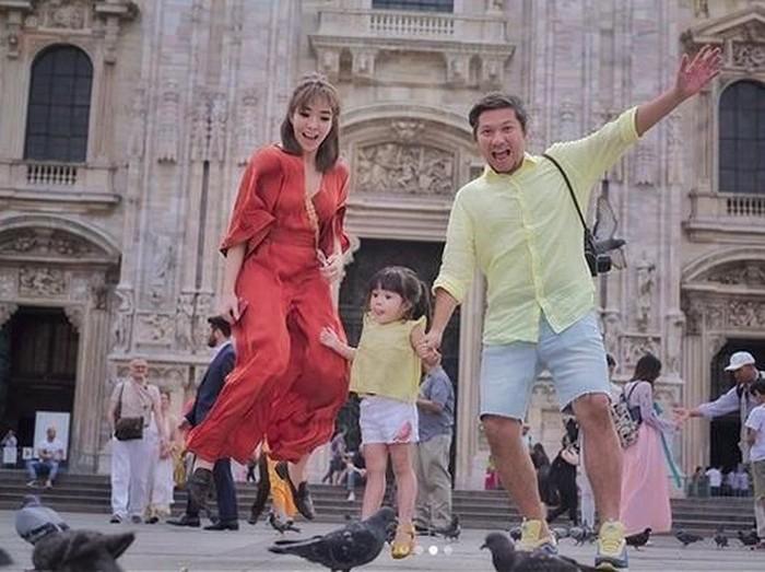 3 Tas Glamor Gisella Anastasia Ketika Piknik Di Italia