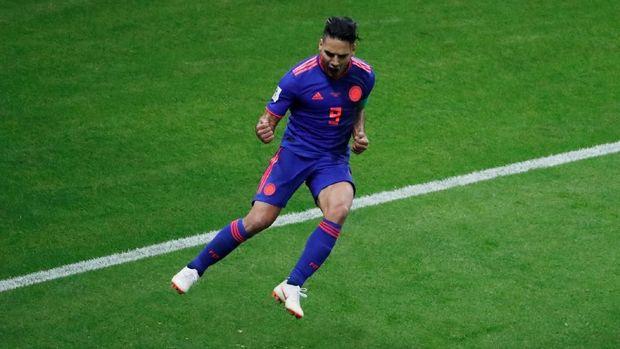 Radamel Falcao menyumbang gol kedua untuk Kolombia.
