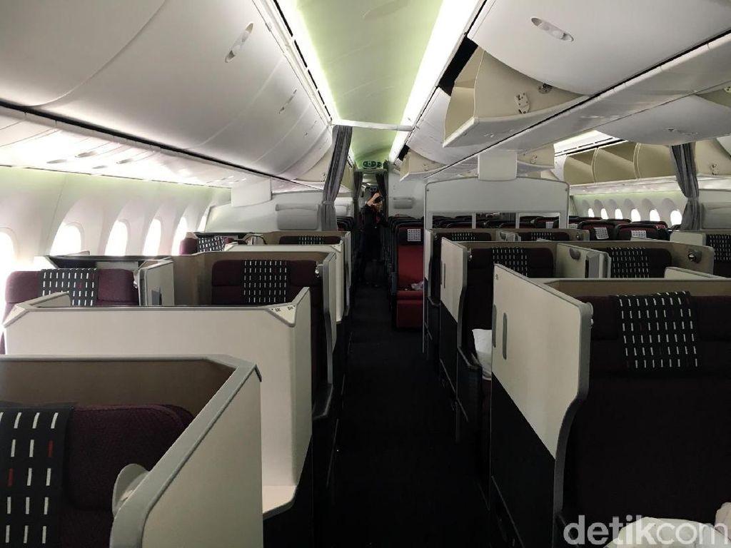 Foto: Kelas Bisnis Japan Airlines yang Mewah & Nyaman