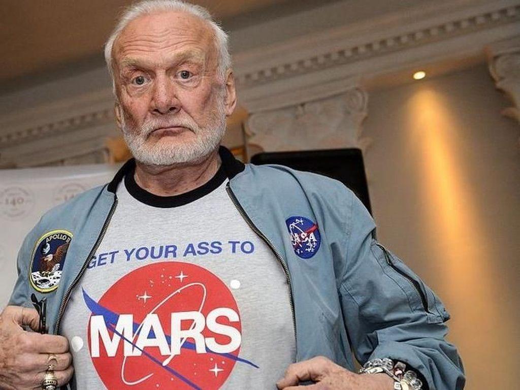 Saran dari Astronaut Buzz Aldrin untuk Karantina Virus Corona