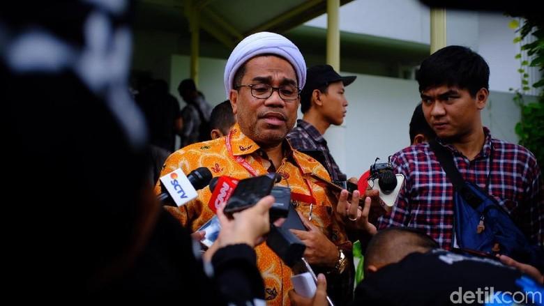 Permadi Bicara Lengeserkan Jokowi, Ngabalin Serahkan ke Polri-TNI