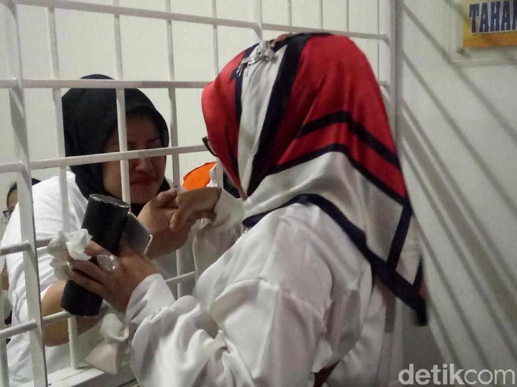 Balada Pergantian Pengacara Dhawiyah di Tengah Kasus Narkoba