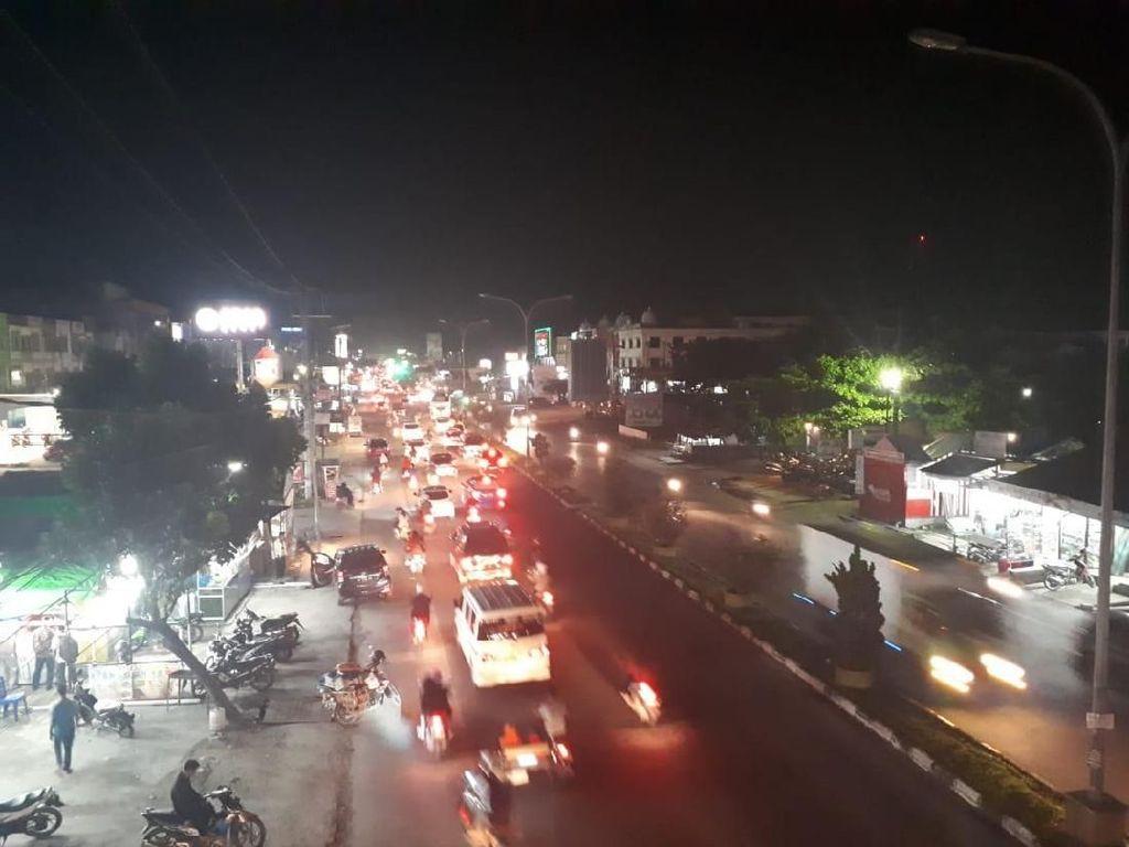 Hari ke-6, Jalanan Pekanbaru Gelap karena Nunggak Listrik Rp 37 M
