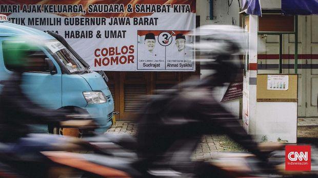 Warga di TPS Ahmad Syaiku Sobek Surat Undangan Pencoblosan
