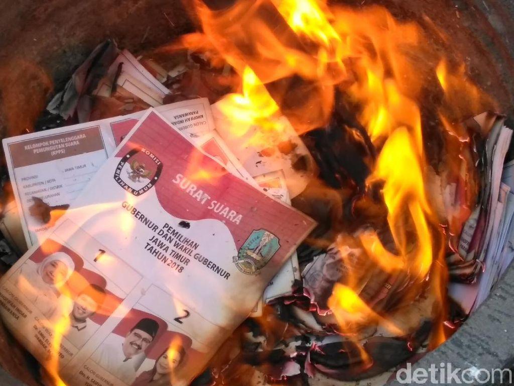 KPU Surabaya Musnahkan 1.423 Lembar Surat Suara
