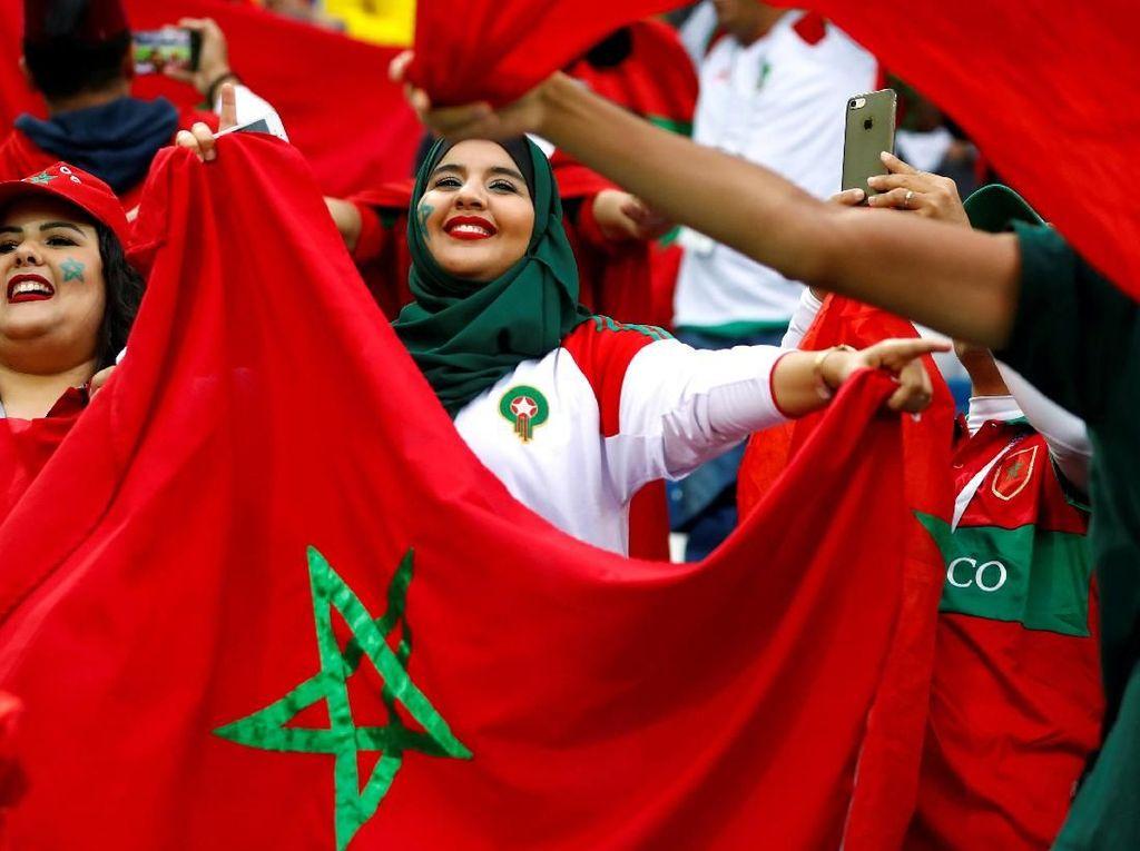 Cantik dan Berhijab, Gaya Suporter Maroko